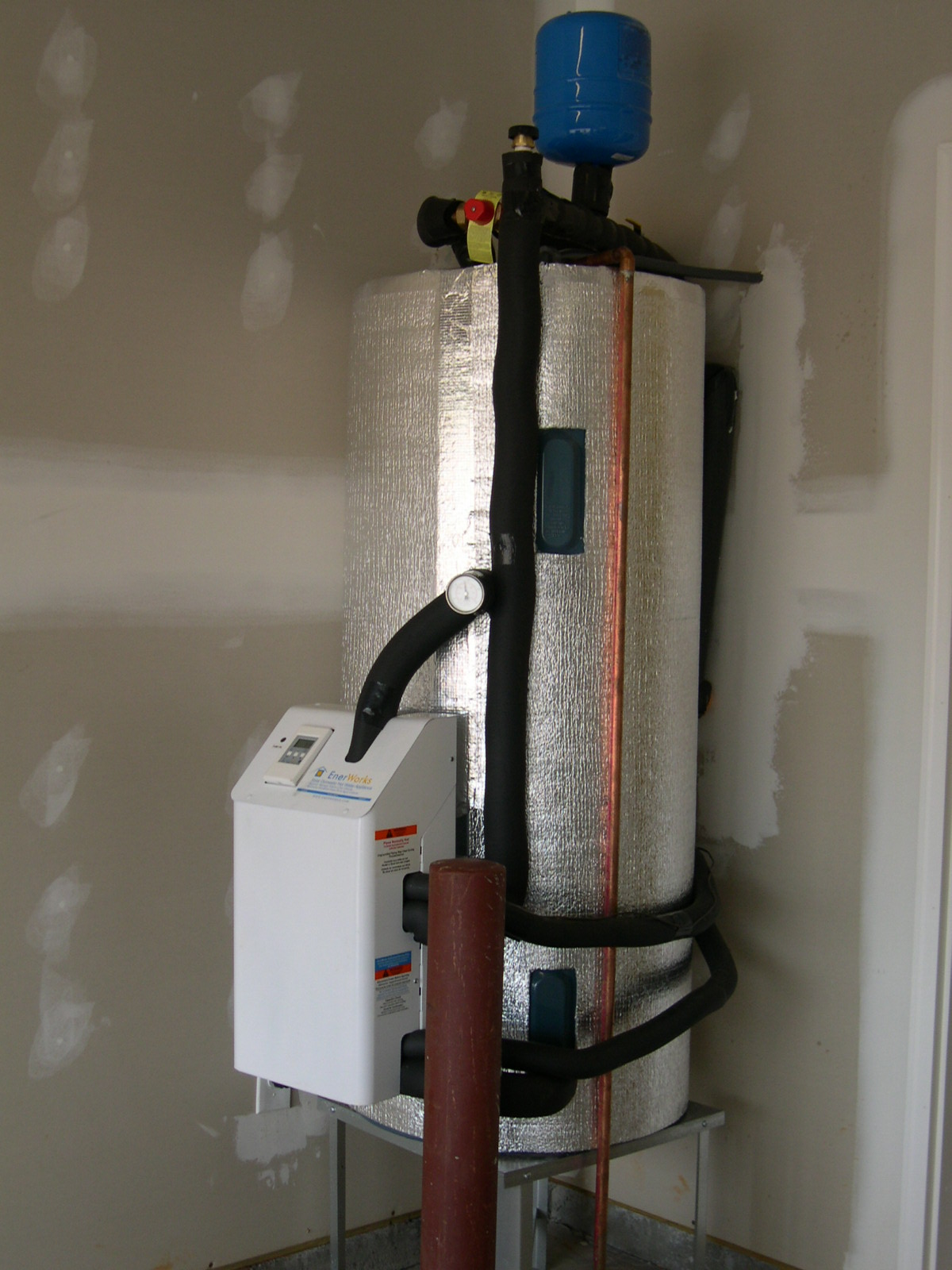 Water Tank Plumbing : Plumbing problems hot water heater